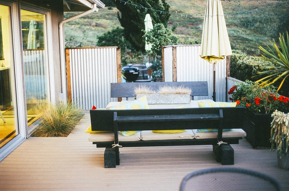 Choose the Right Fire Pit for Wood Deck