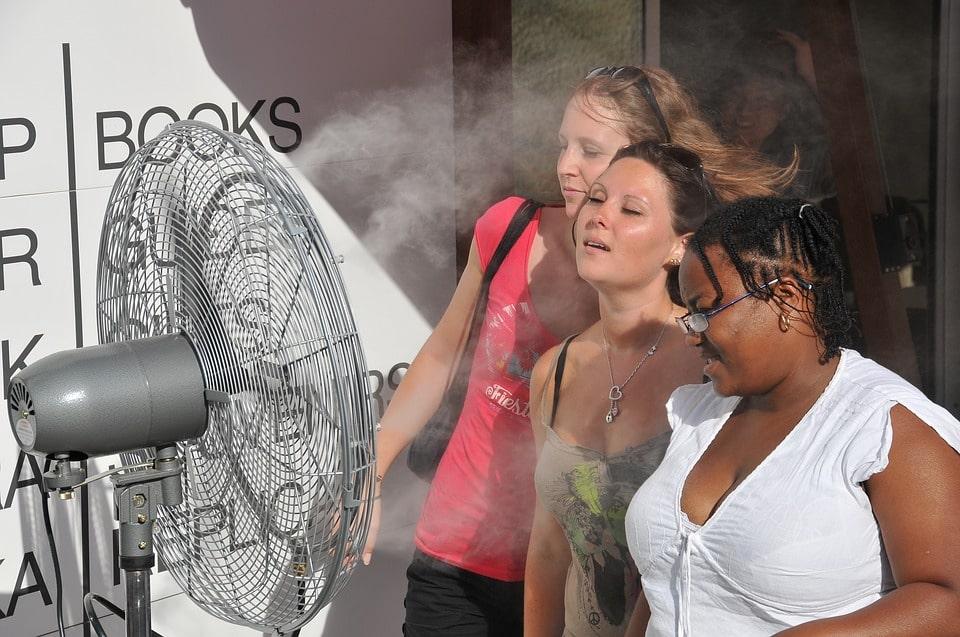 Outdoor misting fan